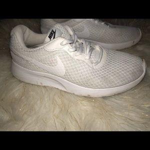 Women Nike white tanjun